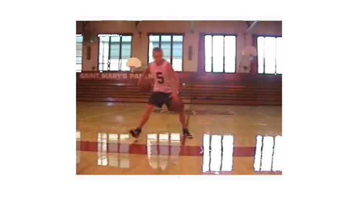 """Charlas Campus JGBasket. Tim Fanning: """"Para dominar el bote es básico tener la cabeza arriba y dominar los cambios de ritmo"""""""