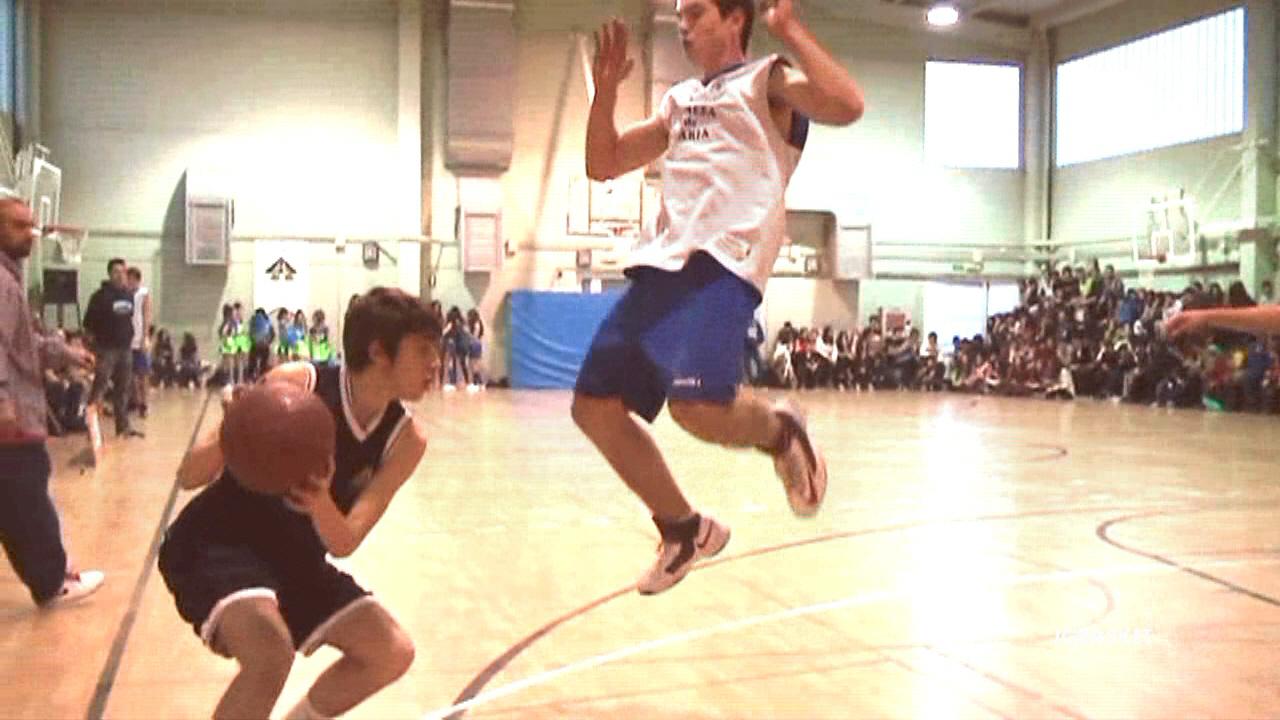 La importancia de una buena recepción en el baloncesto.