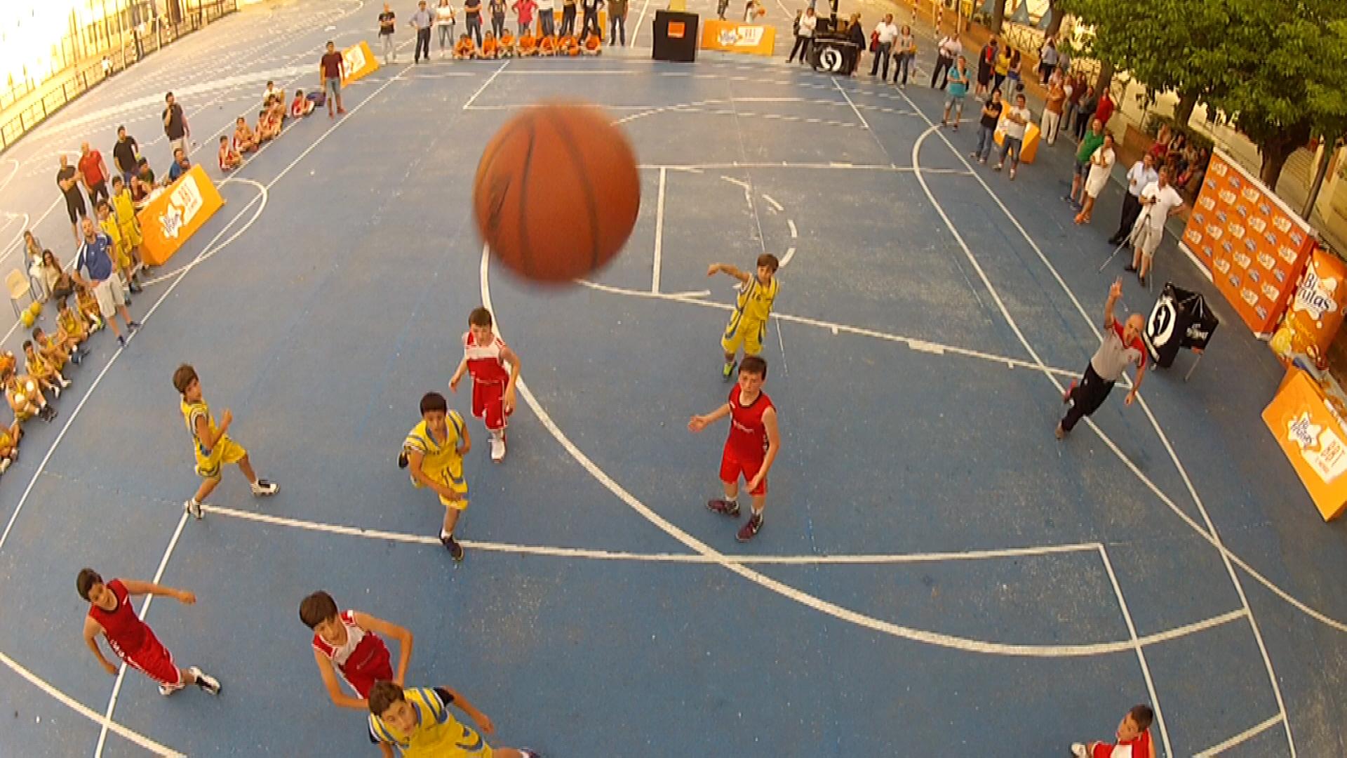 Video: ¿Está tú canasta? PequeCopa Colegial Madrid 2014