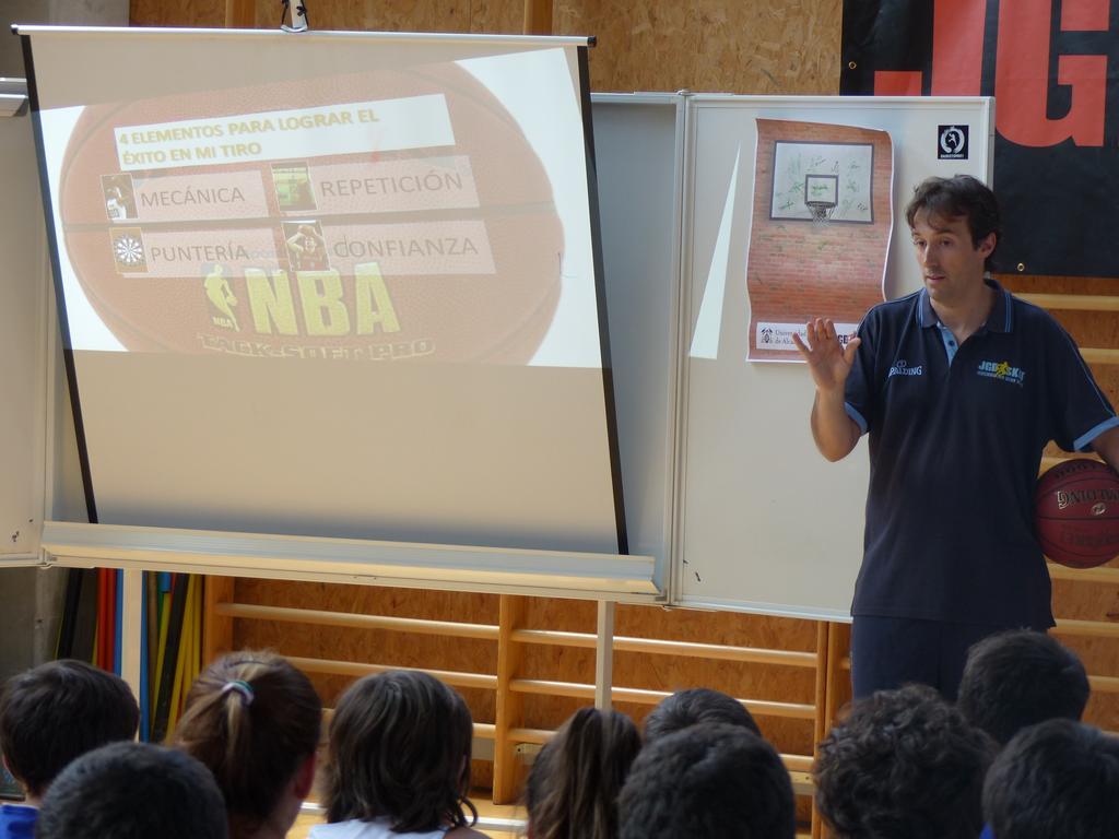 Video: Factores importantes para el autoentrenamiento y la mejora del tiro en baloncesto. Oscar López