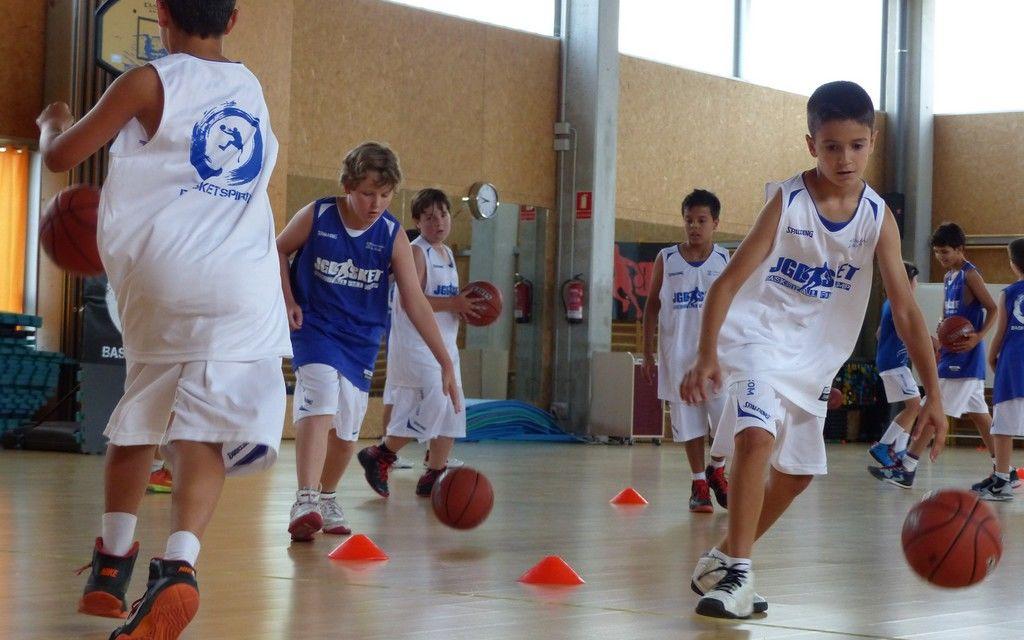 Ejercicios básicos de minibasket (y II)