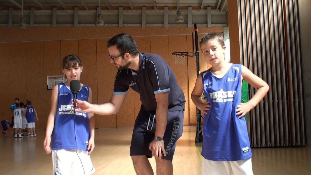 """Educación física: Hábitos saludables explicados por """"profesionales"""" del minibasket"""
