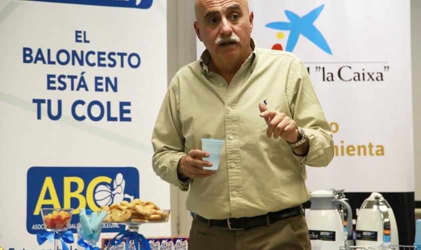 Café con los padres y Chema Buceta en Arcángel Rafael.