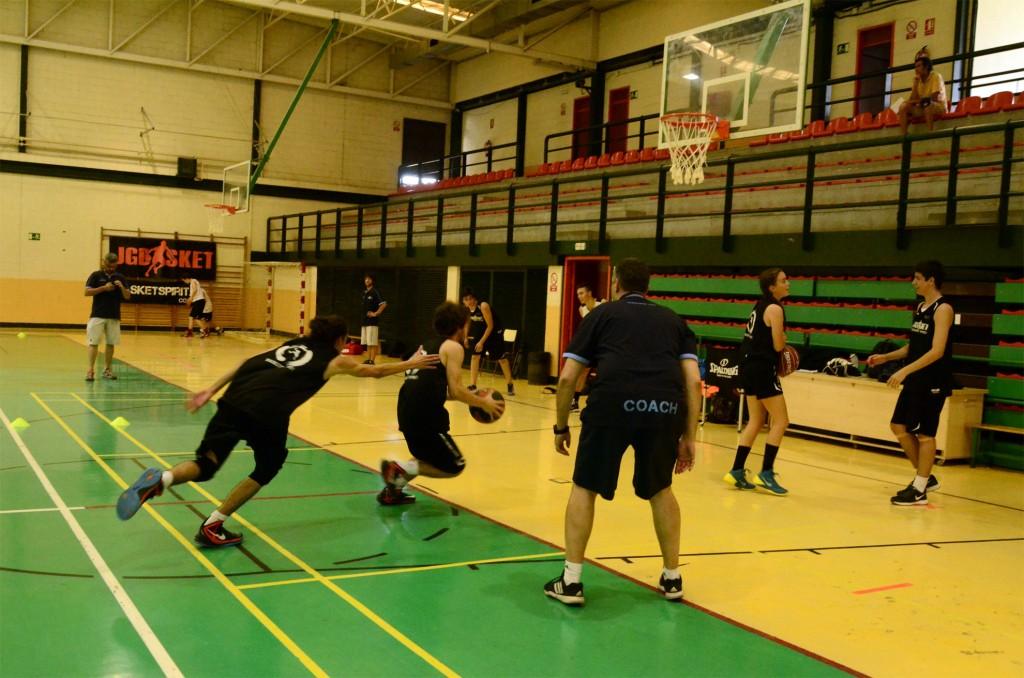 Campus Baloncesto JGBasket. Entrenamiento con Jota Cuspinera