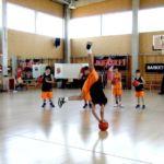 Ole! Alba, jugadora de minibasket nos sorprende a todos en la sesión de freestyle