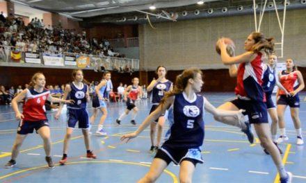 Resumen de partido por cuartos que incluye celebración final: Final femenina Copa Colegial Madrid 2017. San Agustín vs Corazonistas.