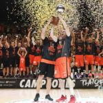 Un histórico Valencia se proclama campeón de la ACB