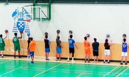 Bote contra pared. Ejercicio de manejo de balón y pase baloncesto.
