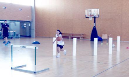 Circuito habilidad y fundamentos minibasket con canasta desde cama elástica